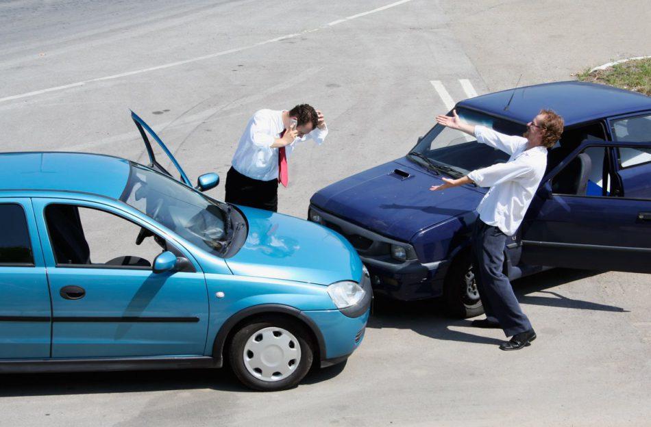 Куда обращаться при столкновении с мошенничеством на дорогах