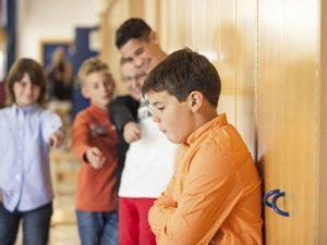 Унижение ребенка в школе, что делать